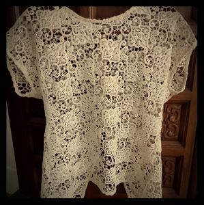 Zara crocheted ivory lace back button high/low top